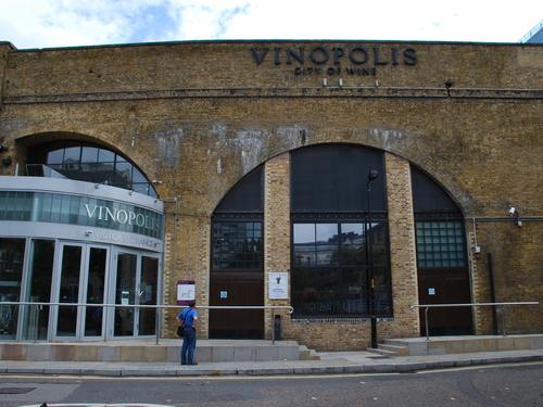 Vinopolis: booze AND bricks.